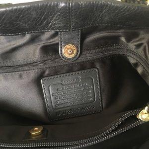 Coach Bags - Large Coach shoulder bag